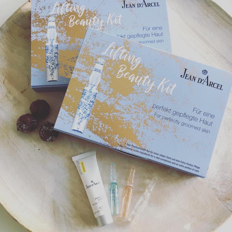 Gutschein - Verschenke eine Extra-Portion Pflege! Lifting Beauty Kit für 26€